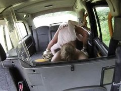 lindsey cruz squirts in the back of a taxi