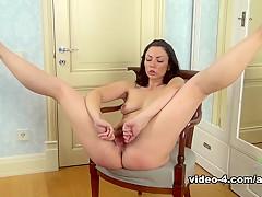 Incredible pornstar in Exotic Solo Girl, Medium Tits porn video