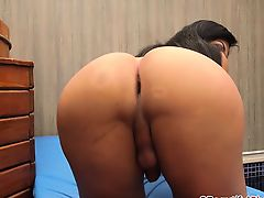 Big ass and tits shemale Ingrid Guimaraes enjoying solo time