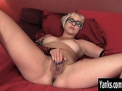 Tattooed Amateur Vi Masturbating Her Slit