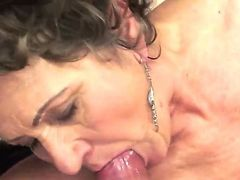 Dirty and very hot Young-old sex is one of the perfect time spending for mature lady