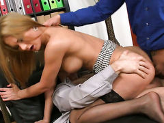 Blonde has some time to get some anal pleasure