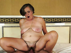 Brunette with juicy boobs tries her hardest to make hot bang buddy bust a nut