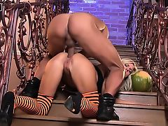 Nathaly Cherie likes doggystyle anal