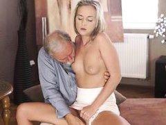 shanie ryan prefers older men