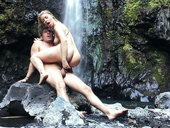 Blonde Anikka Albrite wants Mick Blues