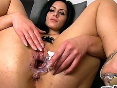 Brunette girl gaping with cumshot
