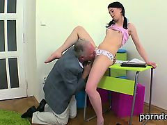 Kissable schoolgirl gets seduced and penetrated by her elder